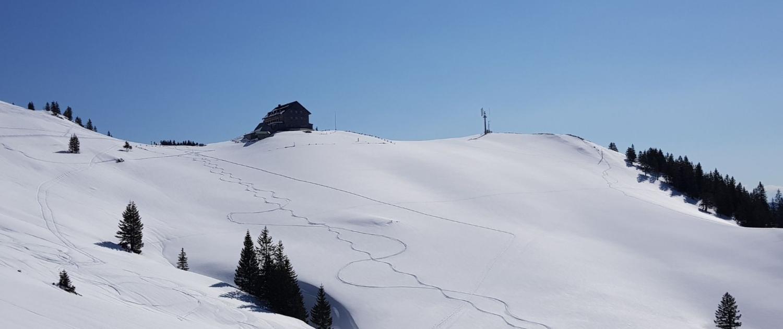 Winterwanderung Rotwand: Blick auf Rotwandhaus